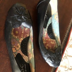 boc black leather ballet flats with flower